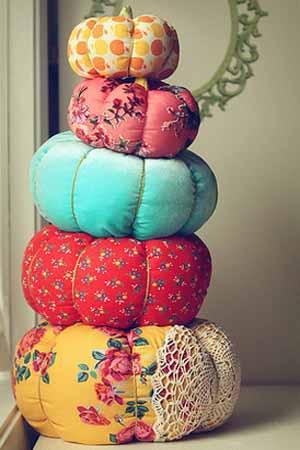 diy-pumpkin-making-pillows-fall-crafts